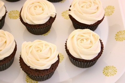 MINI CHOCOLATE BUTTERMILK CUPCAKES picture