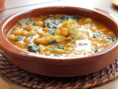 Spinach Soup With Chickpeas And Lentils picture